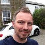 Keith Blount, ideatore di Scrivener, all'esterno della sua casa in Cornovaglia: Keith ha scattato questa foto appositamente per noi di L'avventura è l'avventura